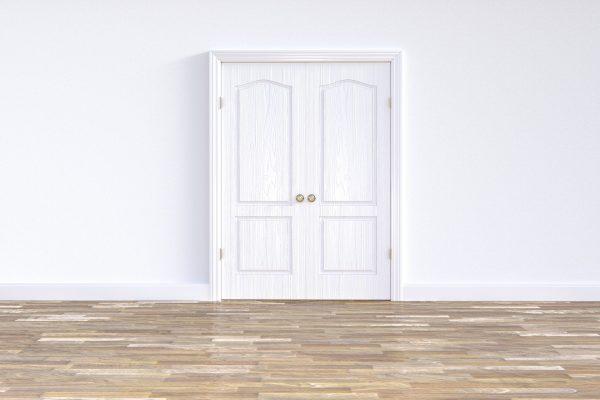 Drzwi wewnętrzne na zamówienie – wady i zalety