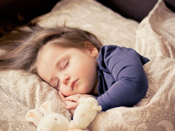 Zapalenie stawu biodrowego u dziecka.